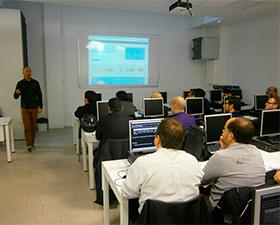Máxima respuesta a la nueva iniciativa formativa de PUE dentro del ciclo de seminarios técnicos para empresas y profesionales TIC